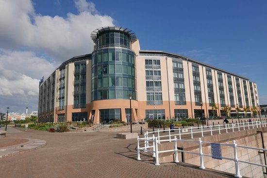 6344604786913220098_large.jpg - Picture of Radisson Blu Waterfront Hotel, Jersey, St. Helier ...