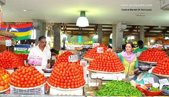 Tamarin: Central Market - Vegetables Section