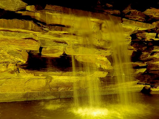 Jiujiang County, จีน: waterfall at night