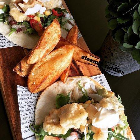 Drouin, Australia: Soft House Tacos