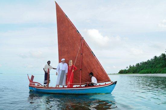 Dhangethi Island: Traditional Boat sailing