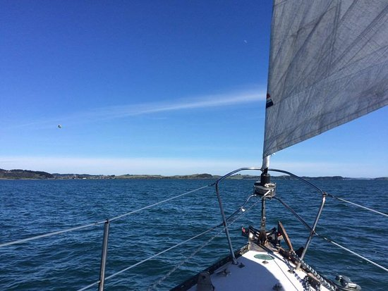 Russell, Nueva Zelanda: off the bow, open to what's before us