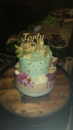 The Vintage Cupcake Kitchen 40th Birthday Cake With Gold Leaf Touch Of Tiki
