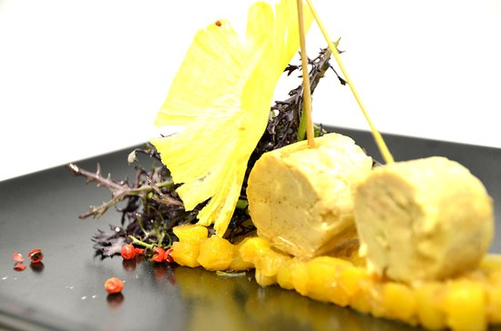 Restaurant Le Clos Des Pradines Saint Quentin La Poterie