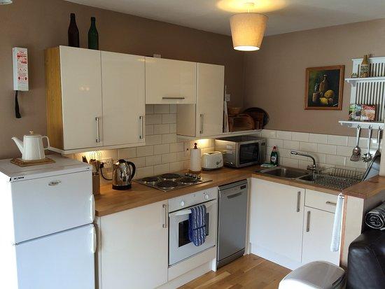Newtonmore, UK: Elm kitchen