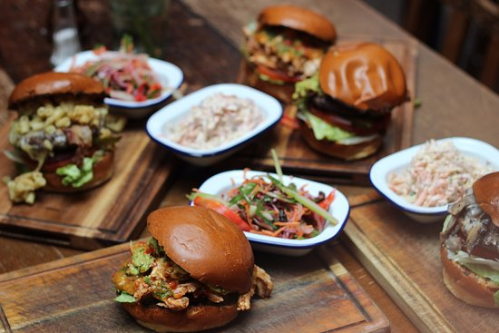 The Old Ship Inn: 2-4-1 Burgers every Monday and Tuesday