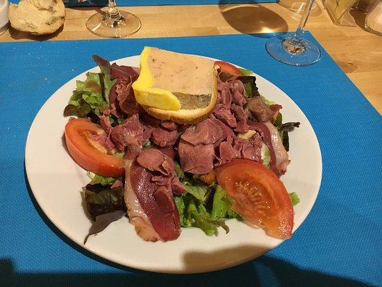 Etauliers, France: Bon repas en amoureux