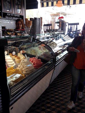 Anita Cafe La Mamma del Gelato: photo0.jpg