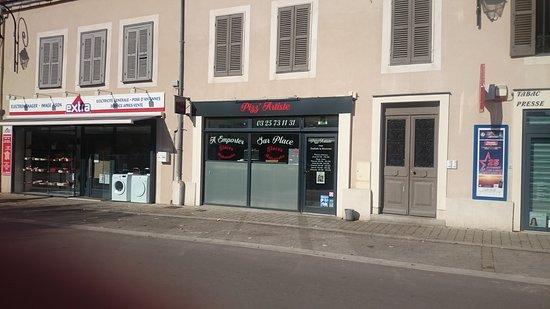 Ervy le Chatel, França: Pizz'Artiste