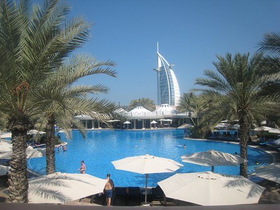 Jumeirah Al Qasr at Madinat Jumeirah: Pool mit Burj al Arab