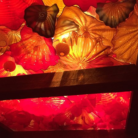 Loretto, KY: Chihuly ceiling sculpture at Maker's Mark