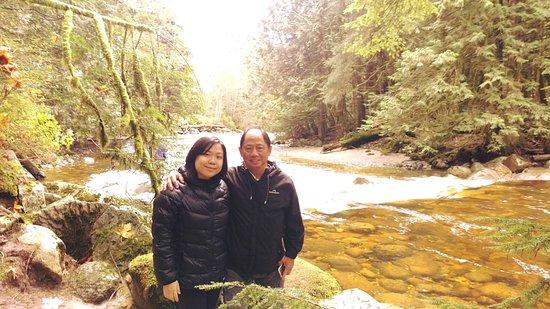 Sechelt, Canada: Tony and Jenny at Chapman Creek