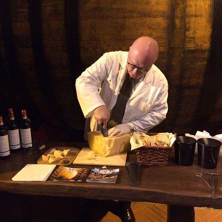 Acquaviva di Montepulciano, Italia: degustazione parmigiano