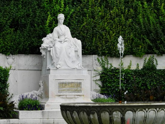 Monument  to Empress Elisabeth: Denkmal