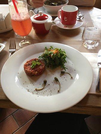 Pec pod Snezkou, Tjekkiet: Ukázka jídla a pití z restaurace Enzian.