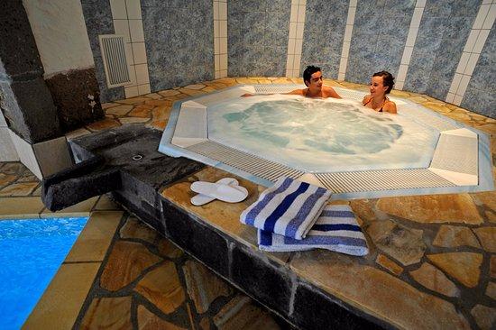 hotel la sapiniere brioude voir les tarifs 62 avis et 30 photos. Black Bedroom Furniture Sets. Home Design Ideas