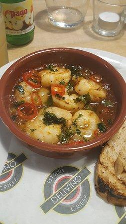 Crieff, UK: Sizzling garlic chilli prawns