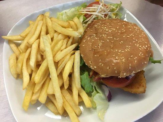 Cogorno, Italia: Bat Chicken Burger