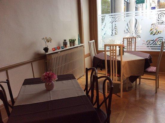 Hôtel de la Paix : Espace petit déjeuner
