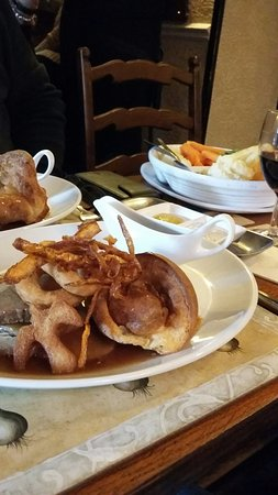 Bedale, UK : mash, roast and veggies seperate