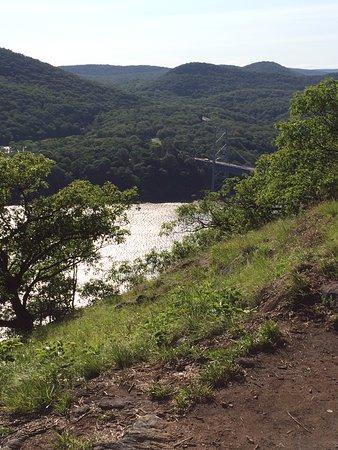 Cortlandt Manor, NY: Approaching Bear Mountain Bridge below...halfway there!