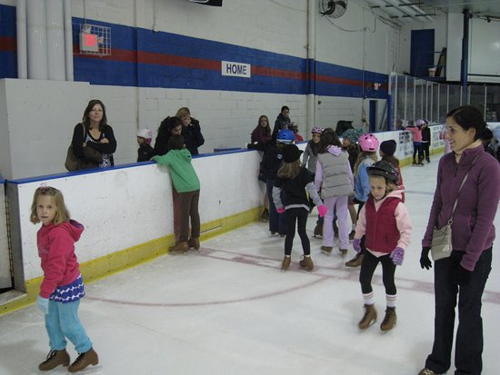 Port Washington, NY: Great place for a skate