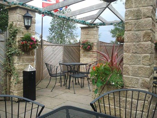 Badsworth, UK: Jacobean Pub Beer Garden