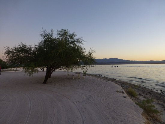 Lake Havasu City, AZ: Lovely beach