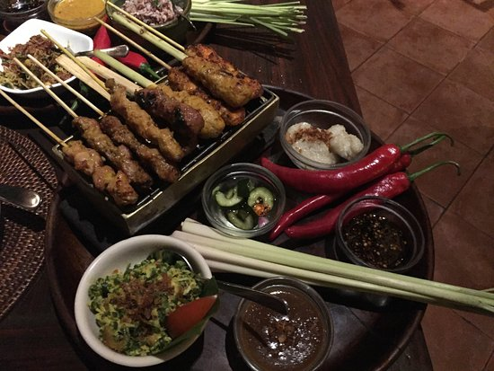 Τανζουνγκμπενόα, Ινδονησία: Sate Campur (=mix)