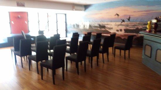 Saint-Andiol, France: 3 salles  pouvant recevoir  80 a 100 personnes suivant configuration