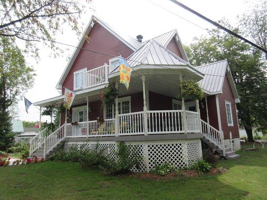 Gite la maison du jardinier venise en quebec canada for Jardinier tarif