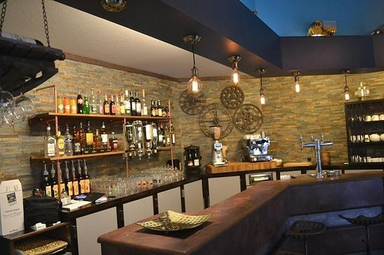 notre bar l 39 ambiance industrielle photo de l 39 arom a t limoges tripadvisor. Black Bedroom Furniture Sets. Home Design Ideas