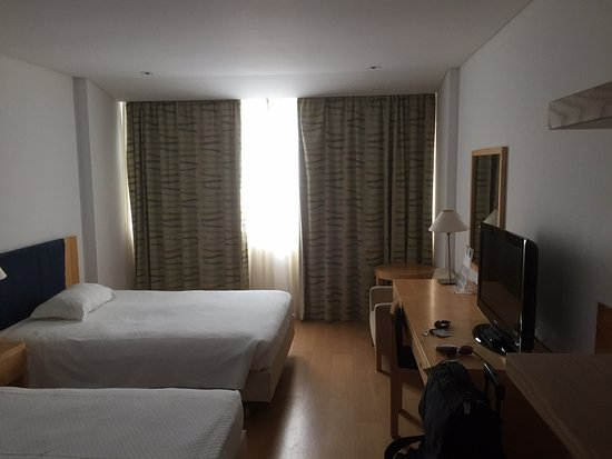 The Lince Azores Great Hotel: Clean. Just a bit tired looking.
