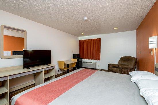 Waterloo, IA: Guest Room