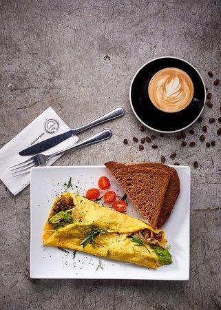 Kempton Park, جنوب أفريقيا: Omelette with Single Origin Cappuccino