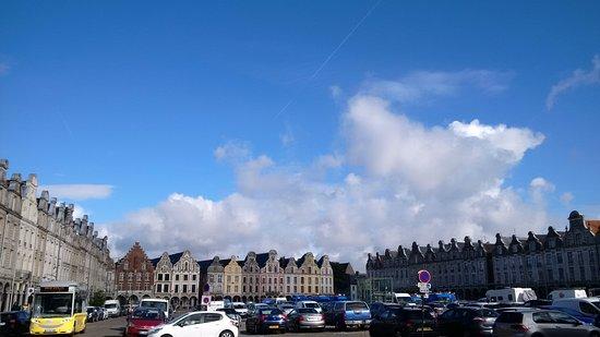 Arras, Francia: la Grand Place
