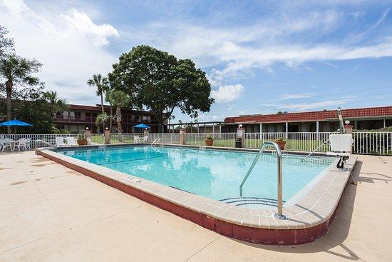 Spring Hill, FL: Pool