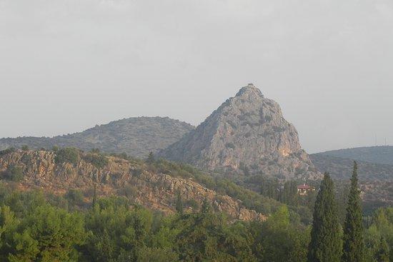 Asini, Yunanistan: Wzgórze z Koścółkiem