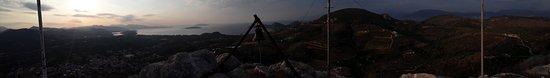 Asini, Yunanistan: Wschod słońca na wzgórzu