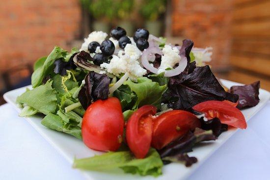 วาปาโคเนตา, โอไฮโอ: J. Marie's House Salad