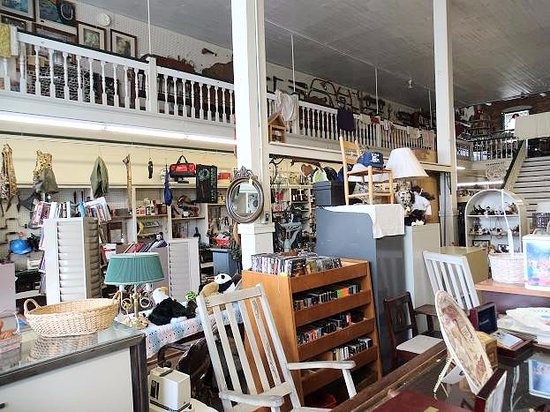 Yesteryears Antiques & Collectibles