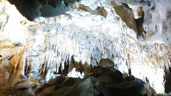 Le Thor, Prancis: Un champ de stalactites