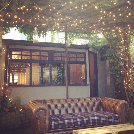 Biddy\'s Tea Room, Aylsham - 16 Market Pl - Restaurant Reviews, Phone ...