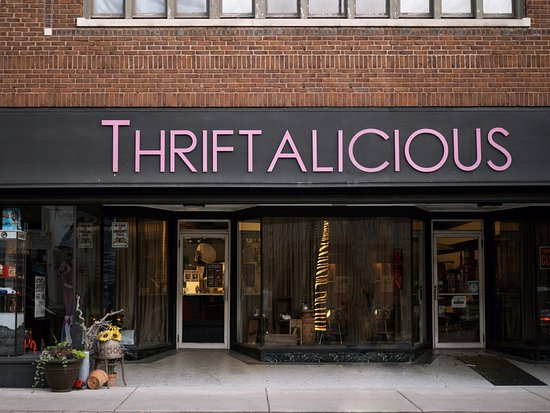Wabash, Ιντιάνα: Come visit Thriftalicious, a unique shop that embodies Old School Cool!