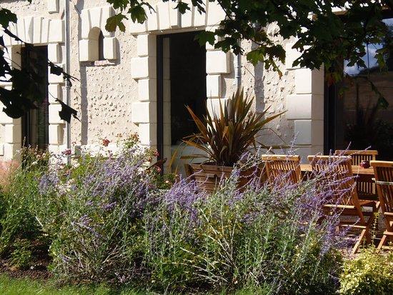 Lunay, France : terrasse