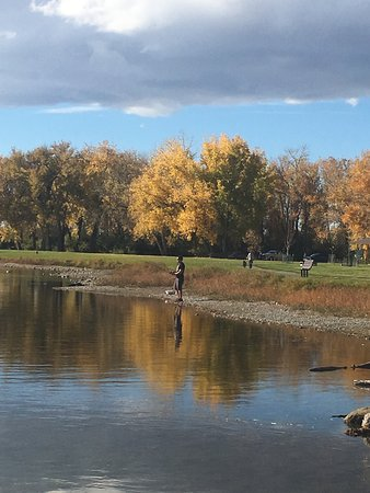 Billings, MT: Great place to fish, run, walk, bike enjoy the scenery!!! Love riverfront nice park for people t