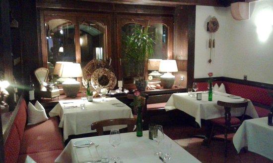Restaurant & Weinstube Holzoefele: Restaurant Holzöfele, Gaststube