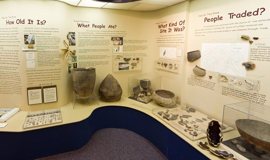 Winston Salem, Северная Каролина: A permanent exhibit uses NC Native American artifacts to discuss the science of archaeology.