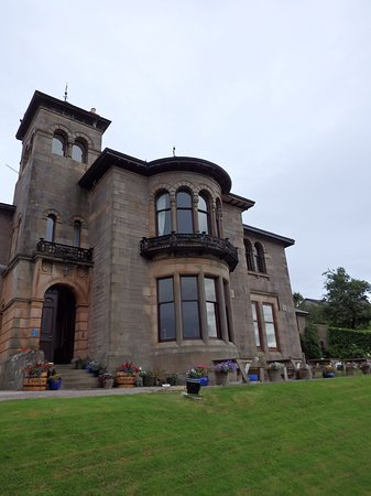 Campbeltown, UK: Front view from driveway.