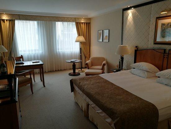 Kempinski Hotel Corvinus Budapest: IMG_20161023_131813_large.jpg